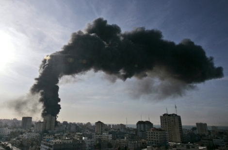 un-building-hit-by-israel-jan-15-2009-ap-hatem-moussa