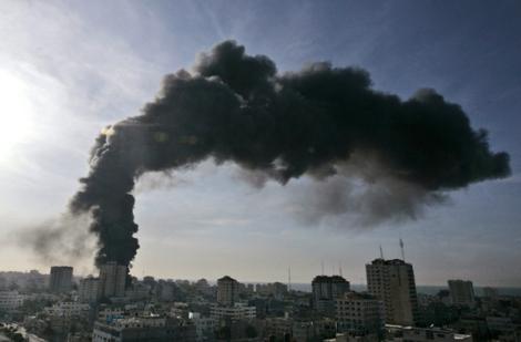 un-building-hit-by-israel-jan-15-2009-ap-hatem-moussa